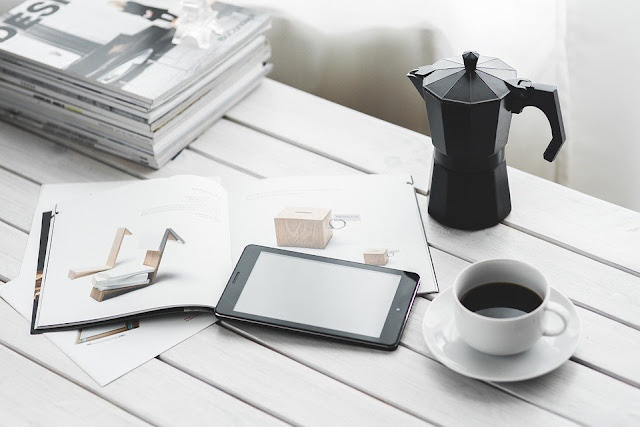 Image: Tablet Shopping, by Karolina Grabowska on Pixabay