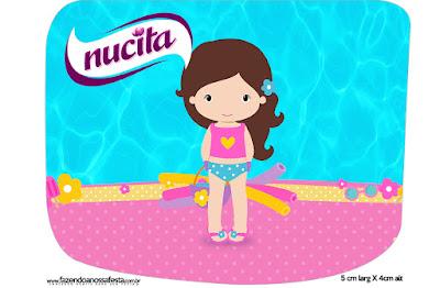 Etiqueta Nucita de Fiesta en la Piscina para Niña Morena para imprimir gratis.