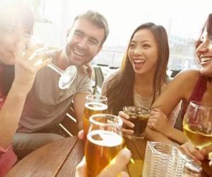 Mulheres estão bebendo tanto quanto os homens, diz estudo