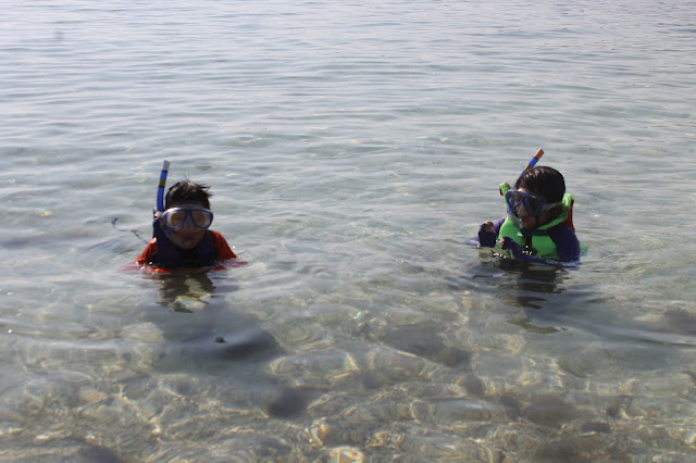 JustMom-White-Island-Camiguin-Snorkeling-Ayla-MT