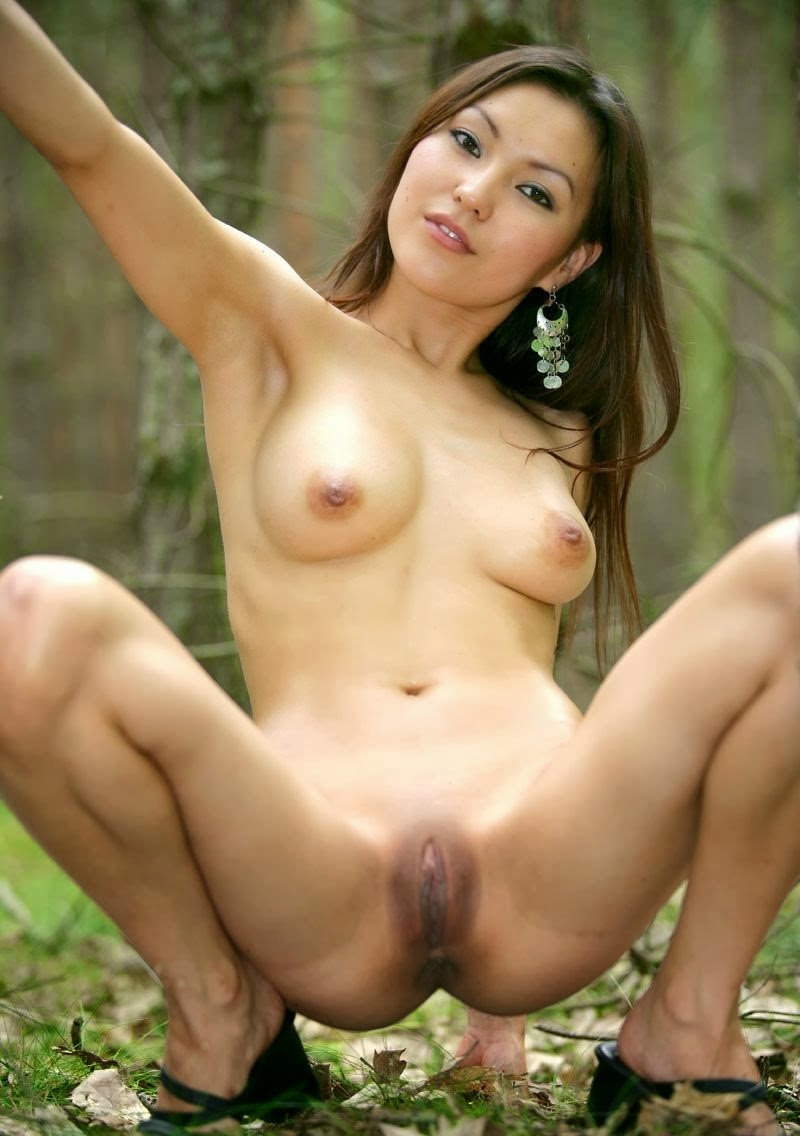 hot nude woman anuty