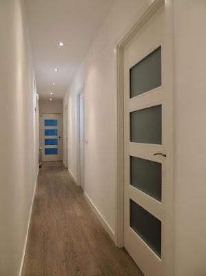Puertas lozano venta e instalacion puertas lacadas blancas y tarima flotante - Decoracion puertas blancas ...