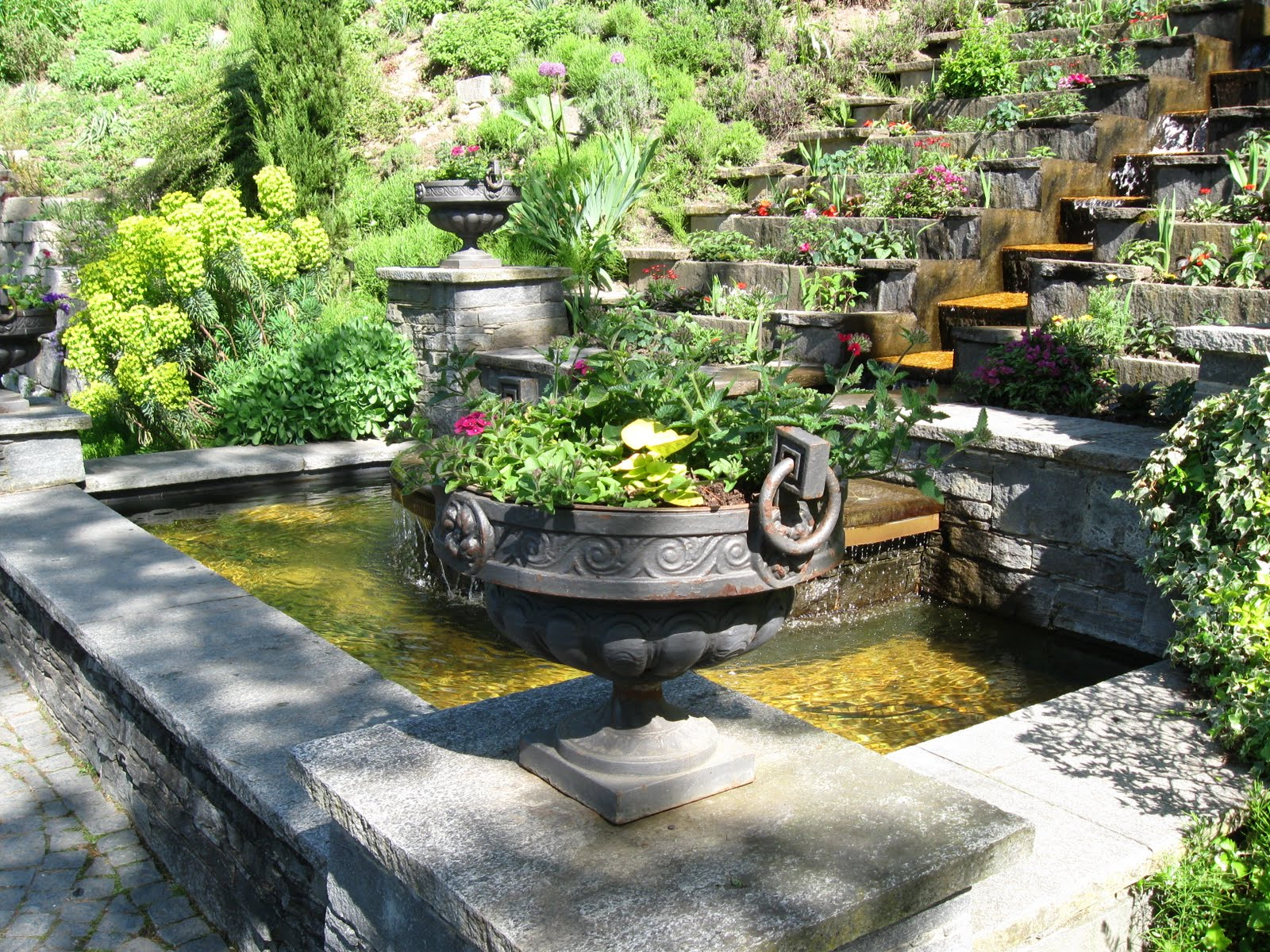 Scape Ideal: Tuscan style backyard landscaping pictures