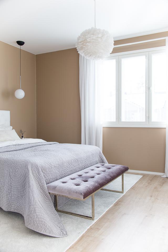 Makuuhuoneen sisustus, villa h, hattara matto, Fiona Bench, Ruth & Joanna