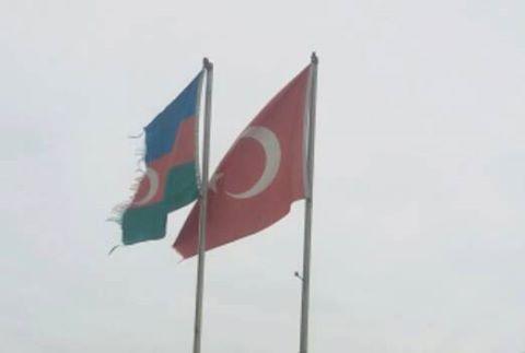 Təzə Türkiyə bayrağı gəlməyincə, Azərbaycan bayrağı dəyişilməyəcək?