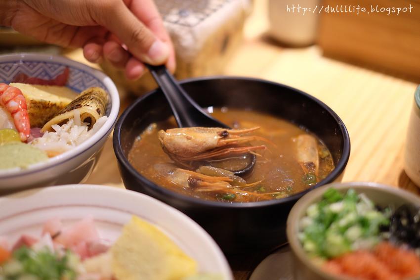 [台北。食記]*瞞著爹三店*超豐盛的海鮮生魚丼飯!