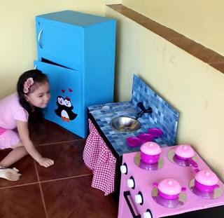 cocina para niños reciclando cajas