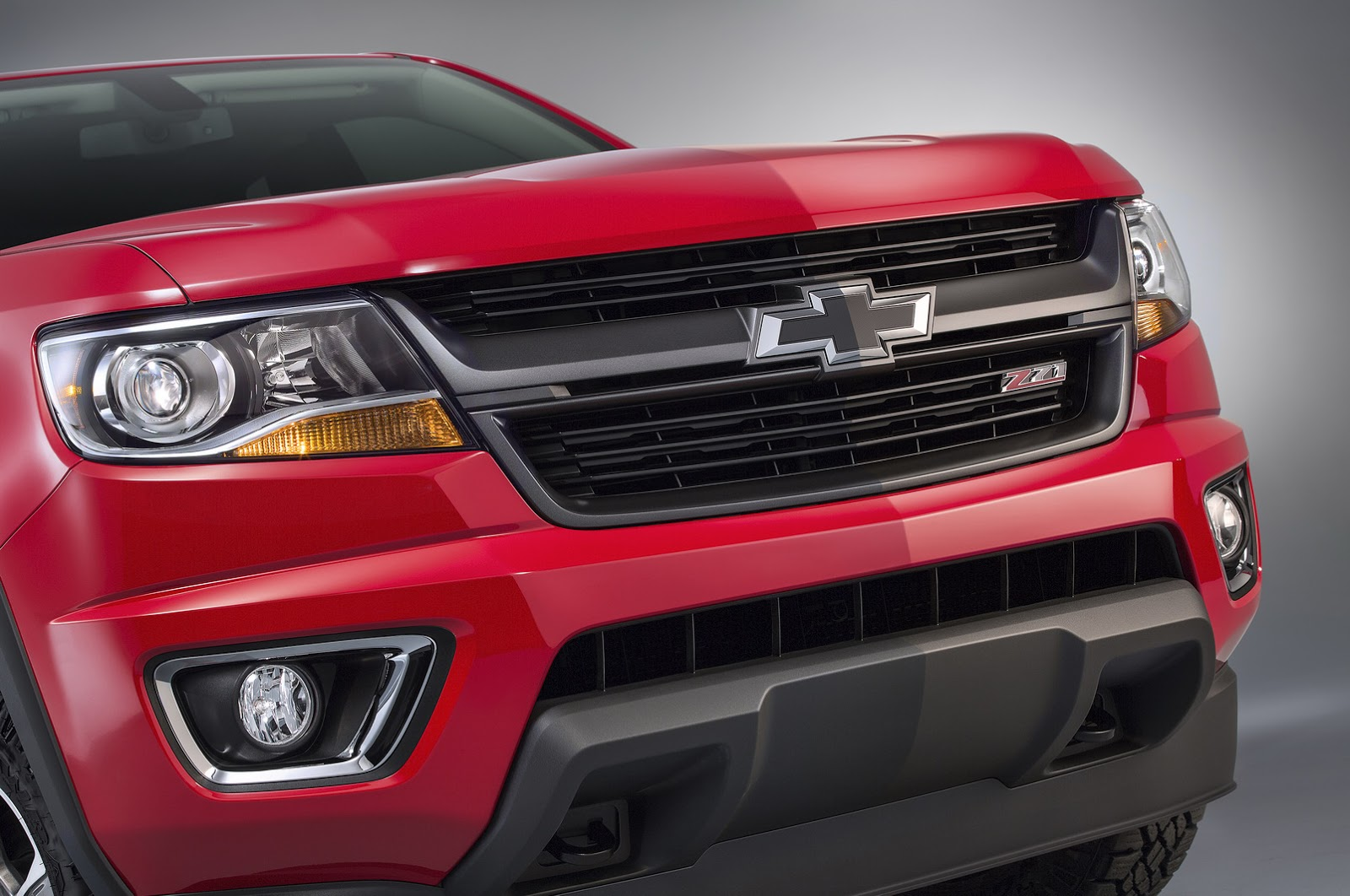 Chevy Styles Up 2015 Colorado With New Z71 Trail Boss ...