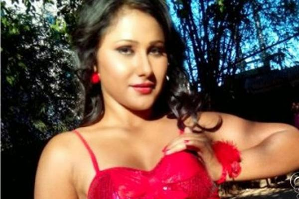 bhojpuri cinema new actress Priyanka Pandit Biography wiki, Latest photos of Priyanka Pandit, new film pics, wallpaper, film, top 10 list