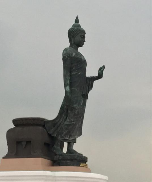 無比殊勝的泰國供燈禮佛法會