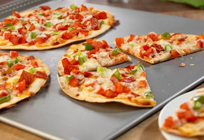 بيتزا التورتيلا بالبيبروني