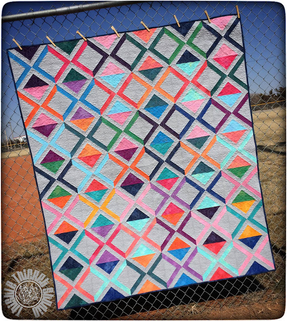 Chainlinks Quilt by Thistle Thicket Studio. This quilt is a Moda Bake Shop free pattern designed by Thistle Thicket Studio. http://www.modabakeshop.com/author/skrenzel. www.thistlethicketstudio.com