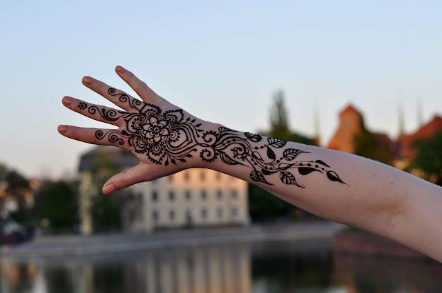 [WYWIAD] Malowane henna...