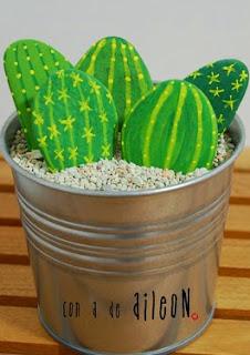 http://utopiaileon.blogspot.com.es/2014/09/pintando-piedras-cactus.html