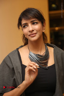 Actress Lakshmi Manchu Pos at Asian Para Badminton Championship Winners Felicitation Ceremony  0003.JPG