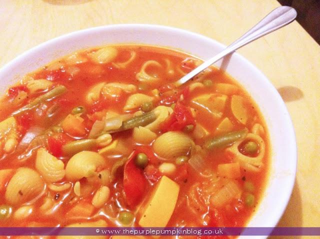Low Calorie Minestrone Soup Recipe at The Purple Pumpkin Blog