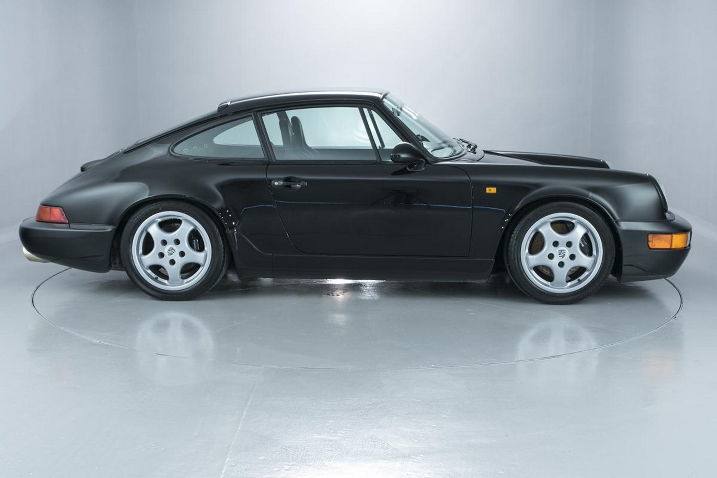 air cooled lovers rejoice a lovely porsche 964 rs could be yours. Black Bedroom Furniture Sets. Home Design Ideas