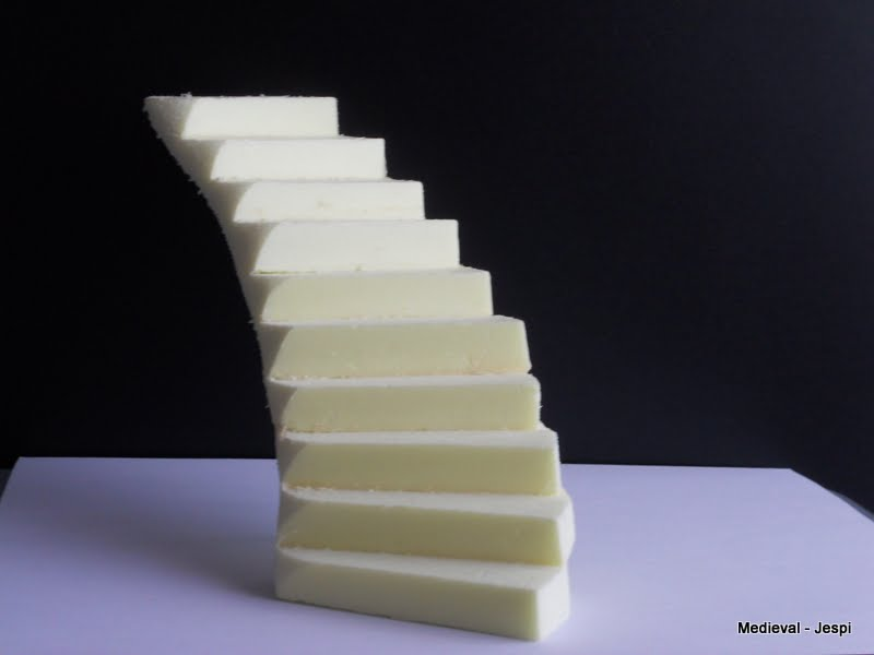 Medieval world construcci n de una escalera de caracol for Como hacer gradas