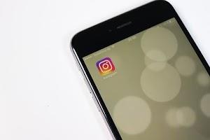 Cara Memangkas & Memotong Video Panjang di Instagram