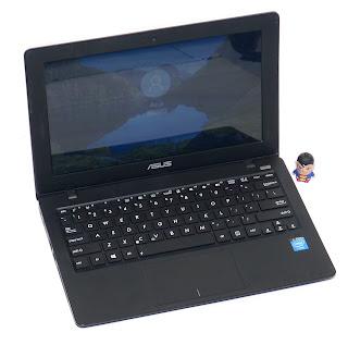 Laptop ASUS X200CA 11.6-inchi Second di Malang