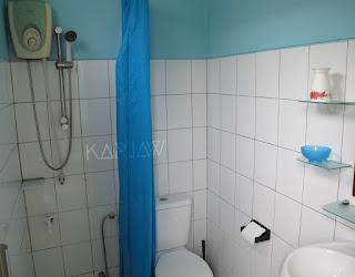escape hotel karimunjawa toilet
