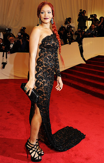 News Feed: The Best Red Carpet Dresses Of 2011