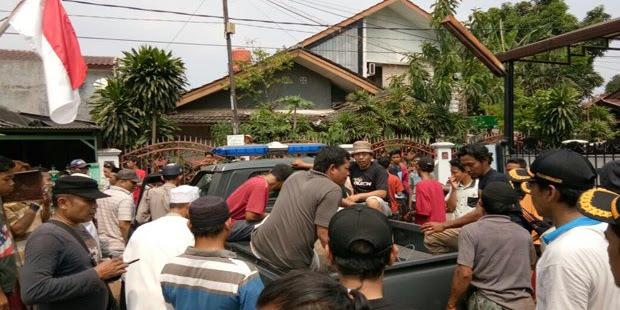 Polisi Tembak Mati Kerbau Kurban yang Mengamuk di Bekasi