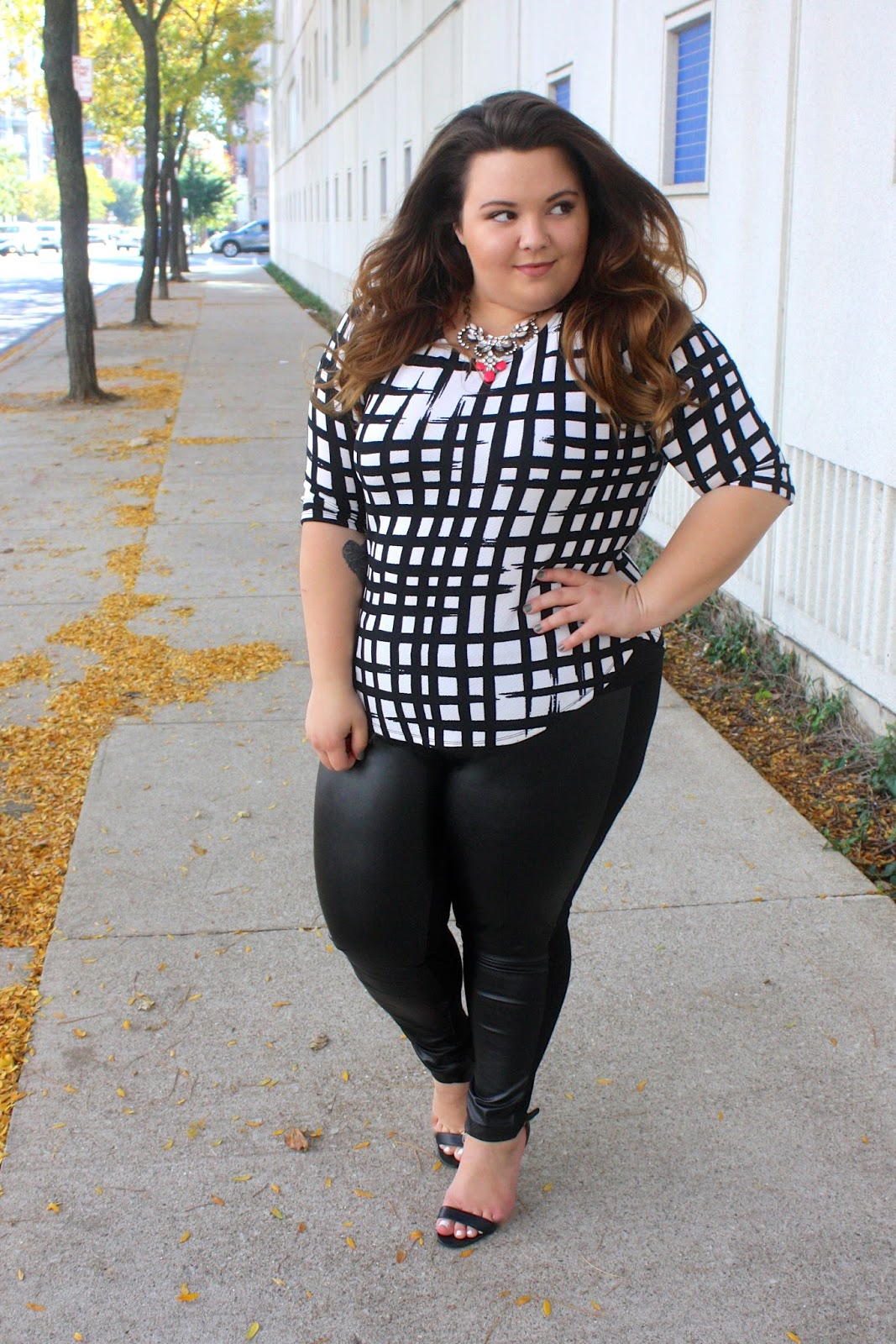 natalie craig, natalie in the city, fashion blogger, chicago, plus size fashion blogger, leather leggings, ootd, fatshion, business casual, brush strokes, what to wear with statement jewelry, plus size leather leggings, leggings, fall fashion