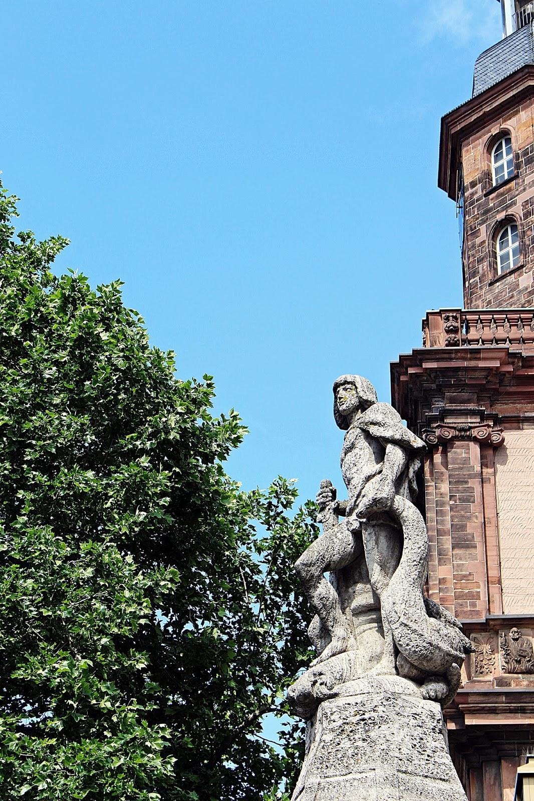 Bild vom Siegfried-Brunnen