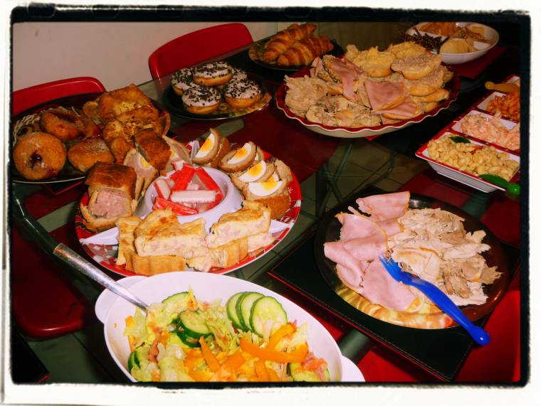 28/12 Wordless Wednesday: Diet Starts Tomorrow ???