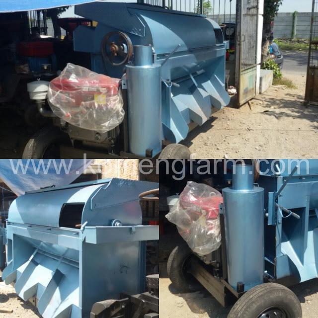 Mesin perontok padi dengan kapasitas penggerak 24 pk