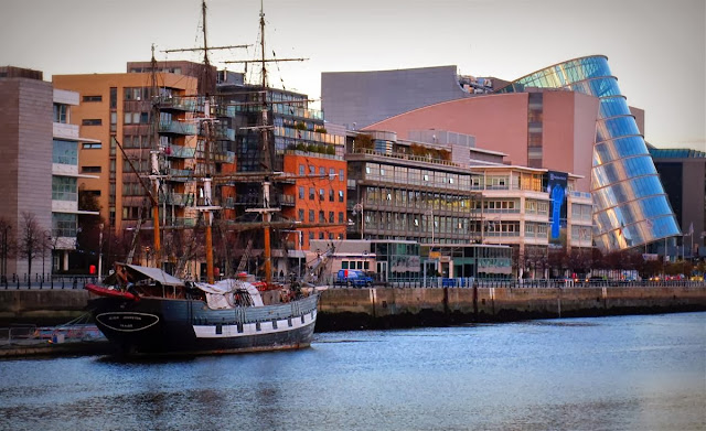 Dublin city © Annie Japaud 2013, photography, sunset, walking, tourist, the tall ship