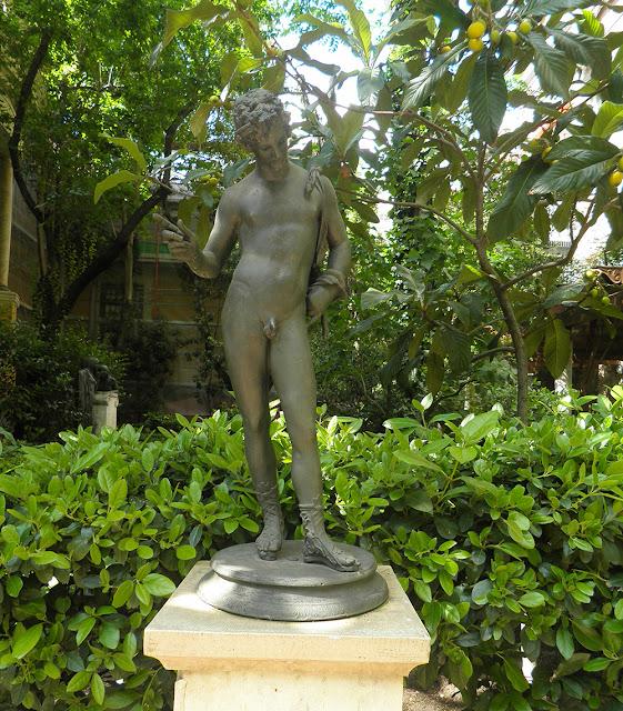 Esculturas de bronce que reproducen figuras pompeyanas. Museo Sorolla