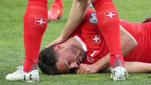 Sempat Hampir Lewat Bek Timnas Swiss Menyelamatkan Pemain Timnas Georgia 2019