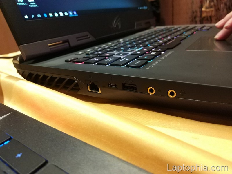 Hands On Review Asus ROG G703GI