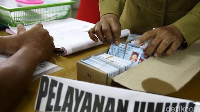 Kemendagri: Buat e-KTP Tak Perlu Pengantar RT/RW, Cukup Bawa KK ke Kecamatan