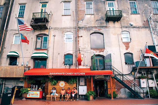 Savannah - Thành phố cổ kính đầy bí ẩn dưới rừng sồi