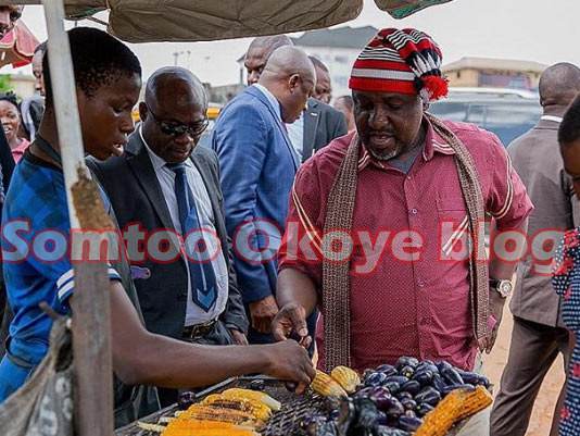 Rochas Okorocha spotted buying roasted corn in Owerri