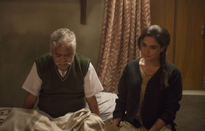 Sanjay Mishra (left) and Richa Chadda in Masaan