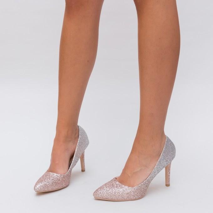 Pantofi aurii din gliter cu toc inalt mediu comozi ieftini si frumosi