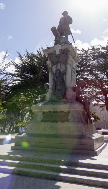 Things to do in Punta Arenas: Kiss the foot of the statue of Magellan in the town center