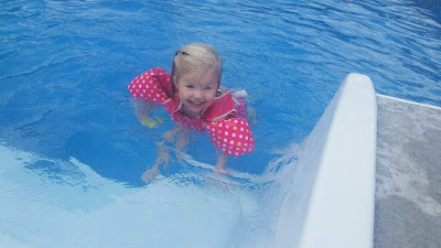 20 Summer Bucket List Activities - Your Guide to Summer Fun. Family fun activities to do in and around Huntsville and the North Alabama area. swimming in the pool