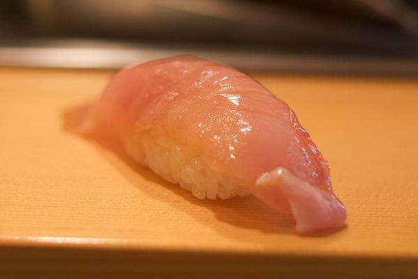 ซูชิปลาคินเมะได (Kimmedai)