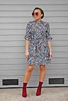 http://www.karyn.pl/2018/02/sukienka-w-kwiaty-i-bordowe-botki.html