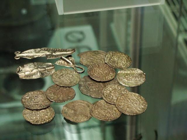 Skarb wczesnośredniowieczny, przechowywany w Muzeum Archeologicznym we Wrocławiu