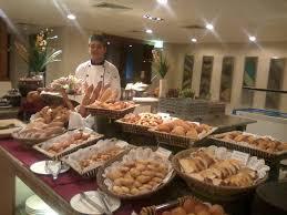 Karakteristik Bahan yang di Gunakan dalam Pembuatan Roti Bakeri