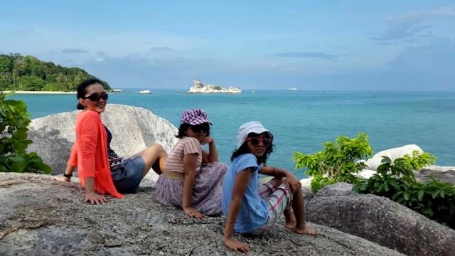 Pantai Tanjung Kelayang di Belitung