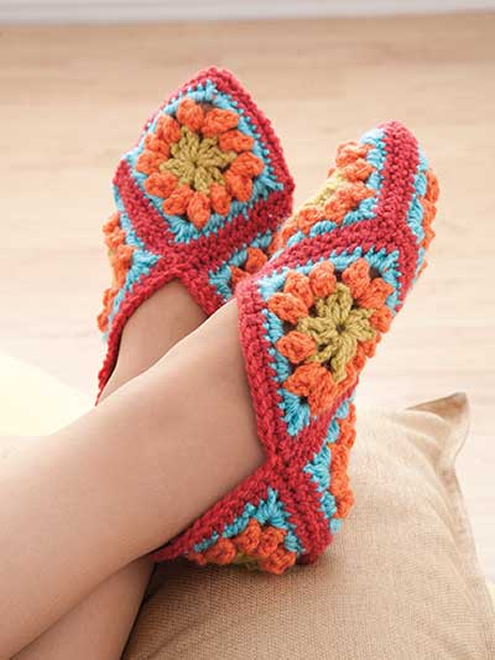 Crochet slippers, granny squares (photo by Annies e-patterns) | Happy in Red