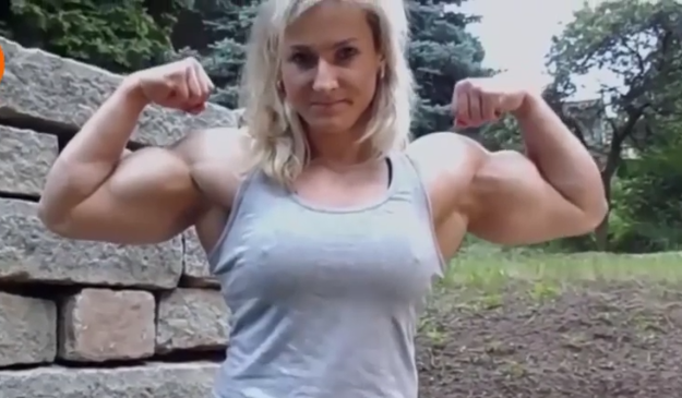 Video muscular women Who is she because she is amazing