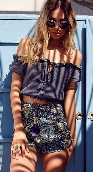 boho outfit: top + shorts